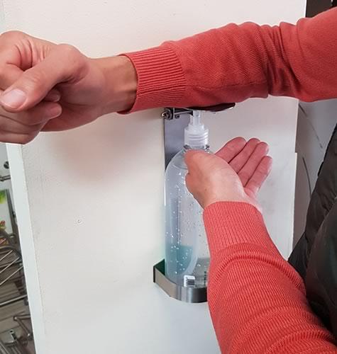 dispensador-gel-codo